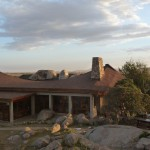 Lodge_at_Serengeti2