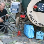 Dirk replaces a wheel of the T-Ford